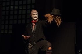9 Compagnia_Le_Saracinesche-Lyra_teatro-Requiem_per_alice-Helga_Bernardini-5250